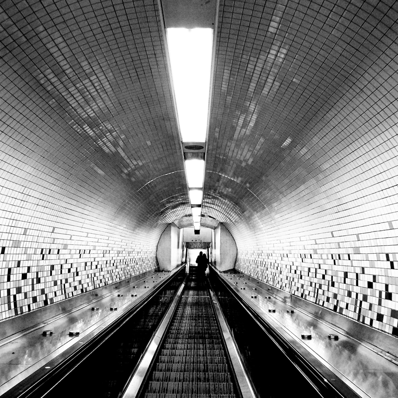 LRM NYC Escalator Tunnel BW for MajorD 800